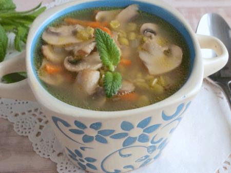 Грибной суп в мультиварке с шампиньонами