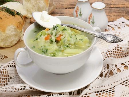 Готовый суп сервируем на стол
