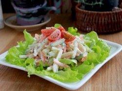 Яблочно-огуречный салат с курицей