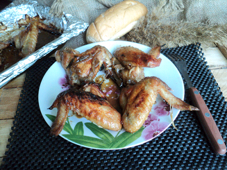 Куриные крылья в соевом соусе с медом в духовке