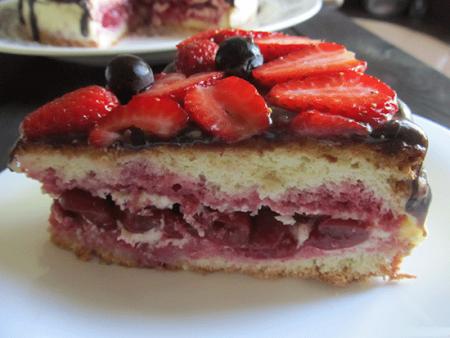 Бисквитный торт «Фруктовый рай»