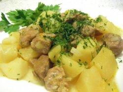 Как потушить картошку с мясом в мультиварке