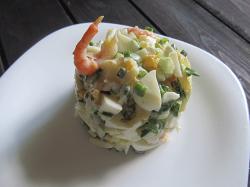 Креветочный салат с сыром