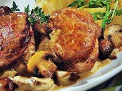 Картошка с мясом и грибами в духовке