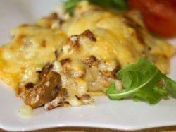 Мясо с картошкой и грибами «по-французски»