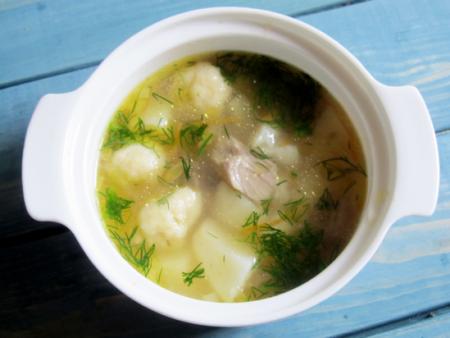 Суп с клецками и индейкой