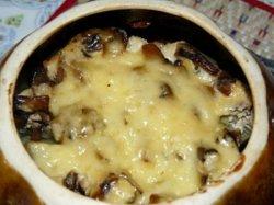 Мясо в горшочках в духовке с картошкой